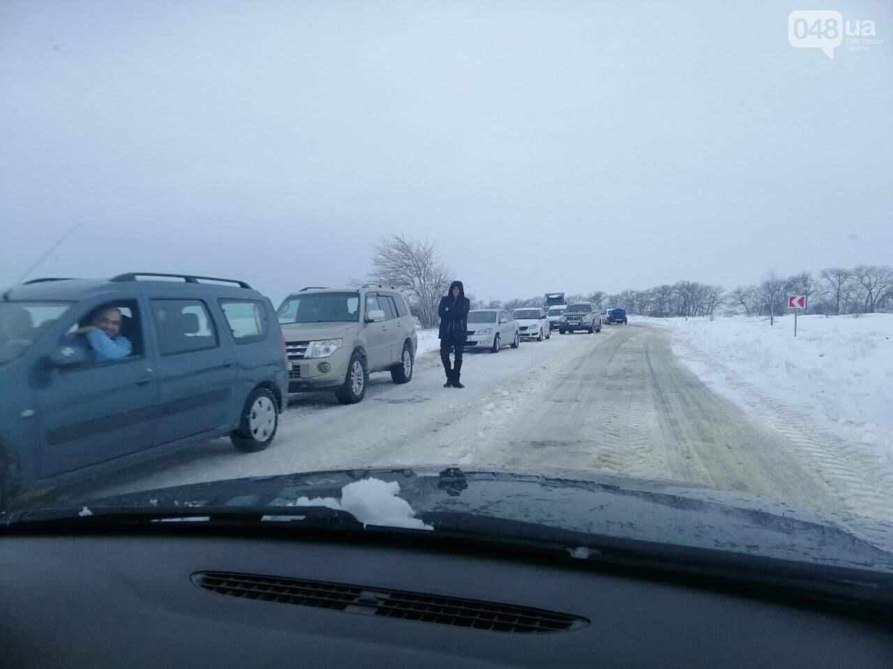 Трасса Одесса-Рени: брошенные автомобили, трактора и сугробы,- ВИДЕО, ФОТО, фото-11