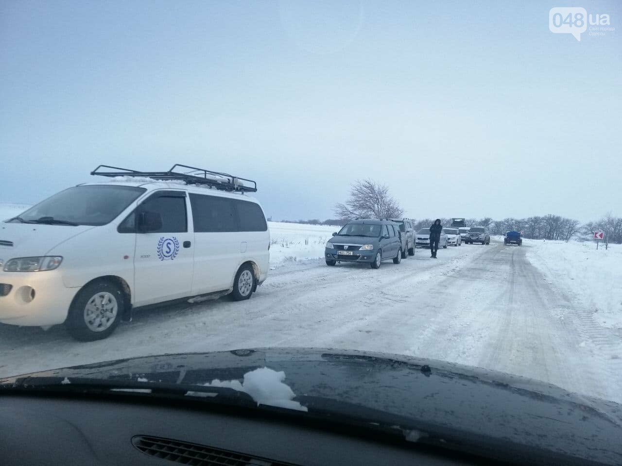 Трасса Одесса-Рени: брошенные автомобили, трактора и сугробы,- ВИДЕО, ФОТО, фото-12