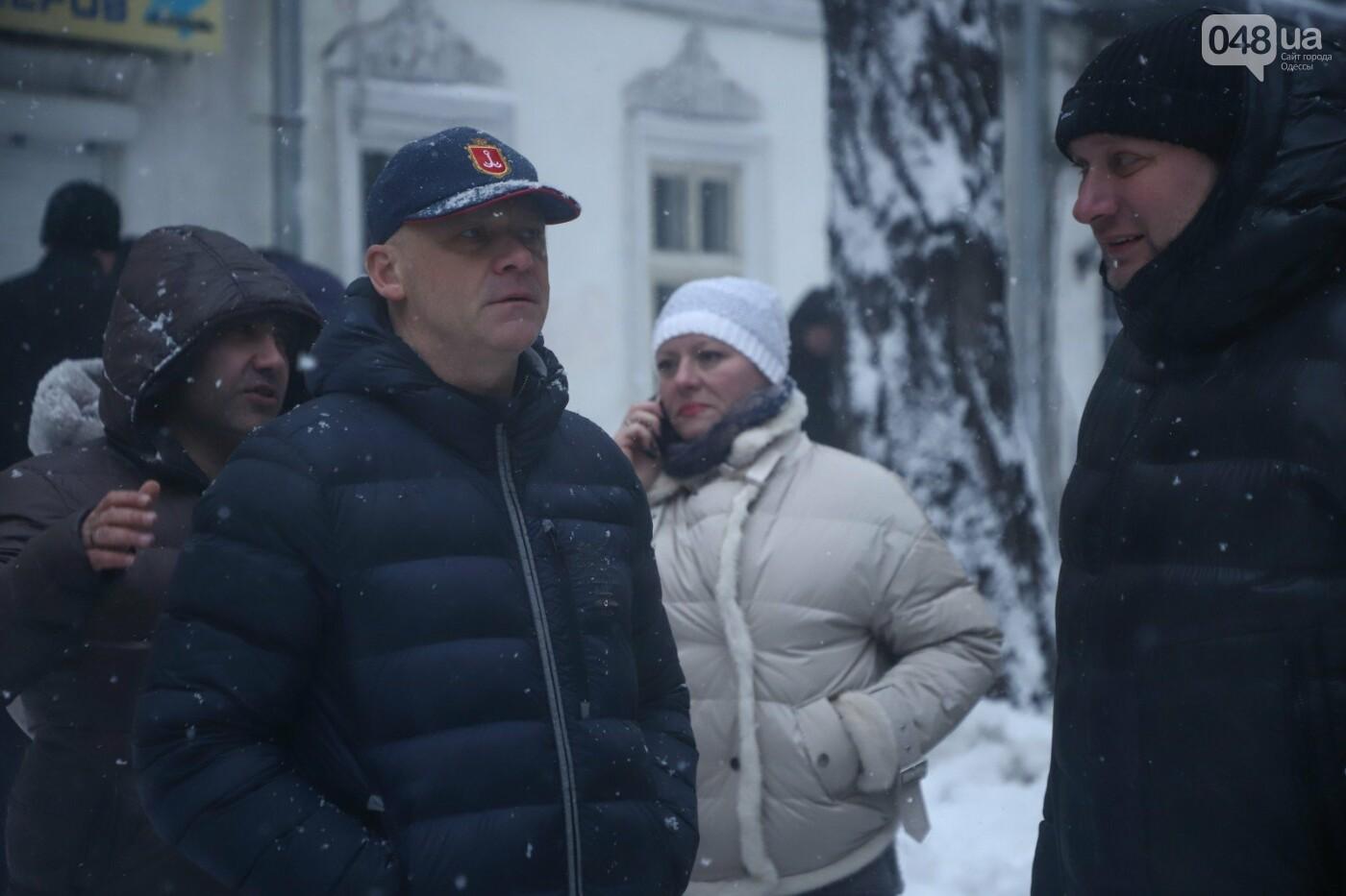 Труханов попросил одесситов сидеть дома и не мешать работать коммунальщикам, - ФОТО, ВИДЕО, фото-5