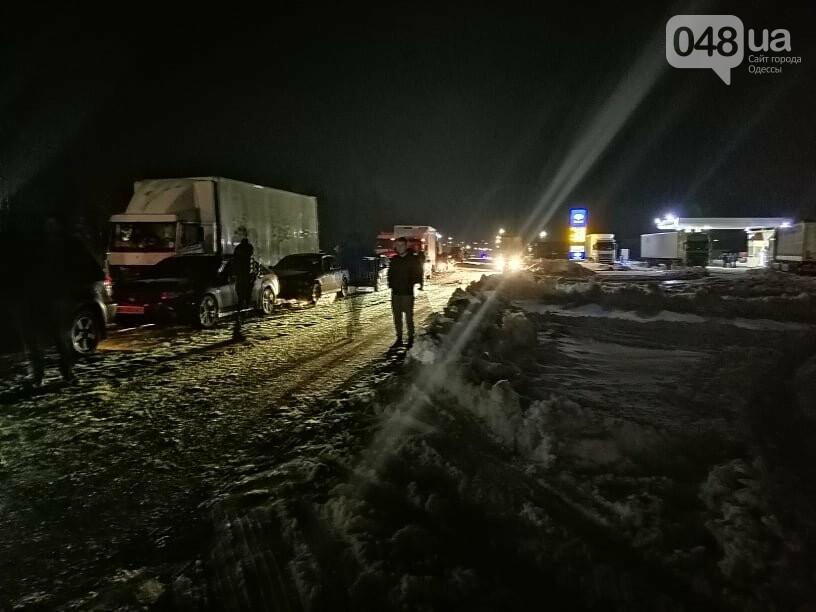 Трассу Одесса-Рени снова перекрыли, на дороге километровые пробки, - ФОТО, ВИДЕО, фото-3
