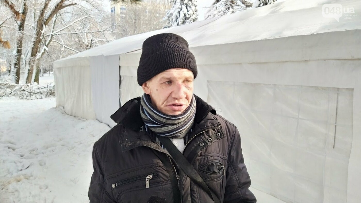 В Одессе подростки с пистолетом напали на пункт обогрева для бездомных: появились подробности, фото-2, ФОТО: Александр Жирносенко