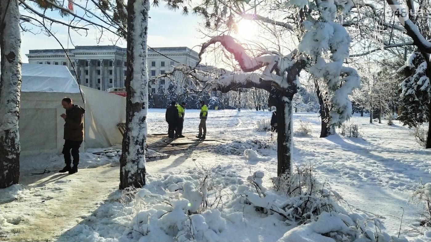 В Одессе подростки с пистолетом напали на пункт обогрева для бездомных: появились подробности, фото-6, ФОТО: Александр Жирносенко