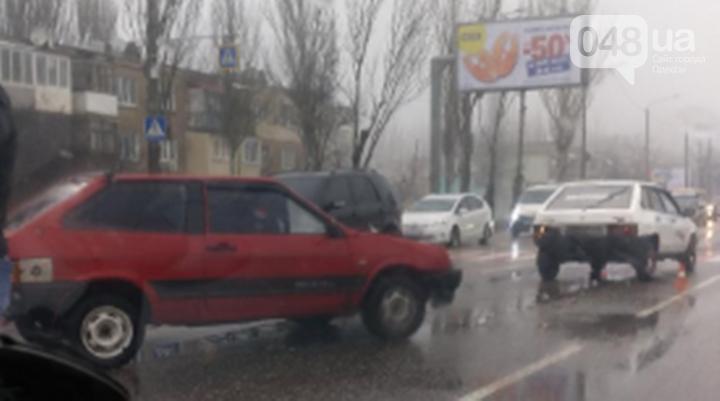 Непогода принесла одесситам очередные проблемы: пробки, дождь и ДТП, - ФОТО, фото-10