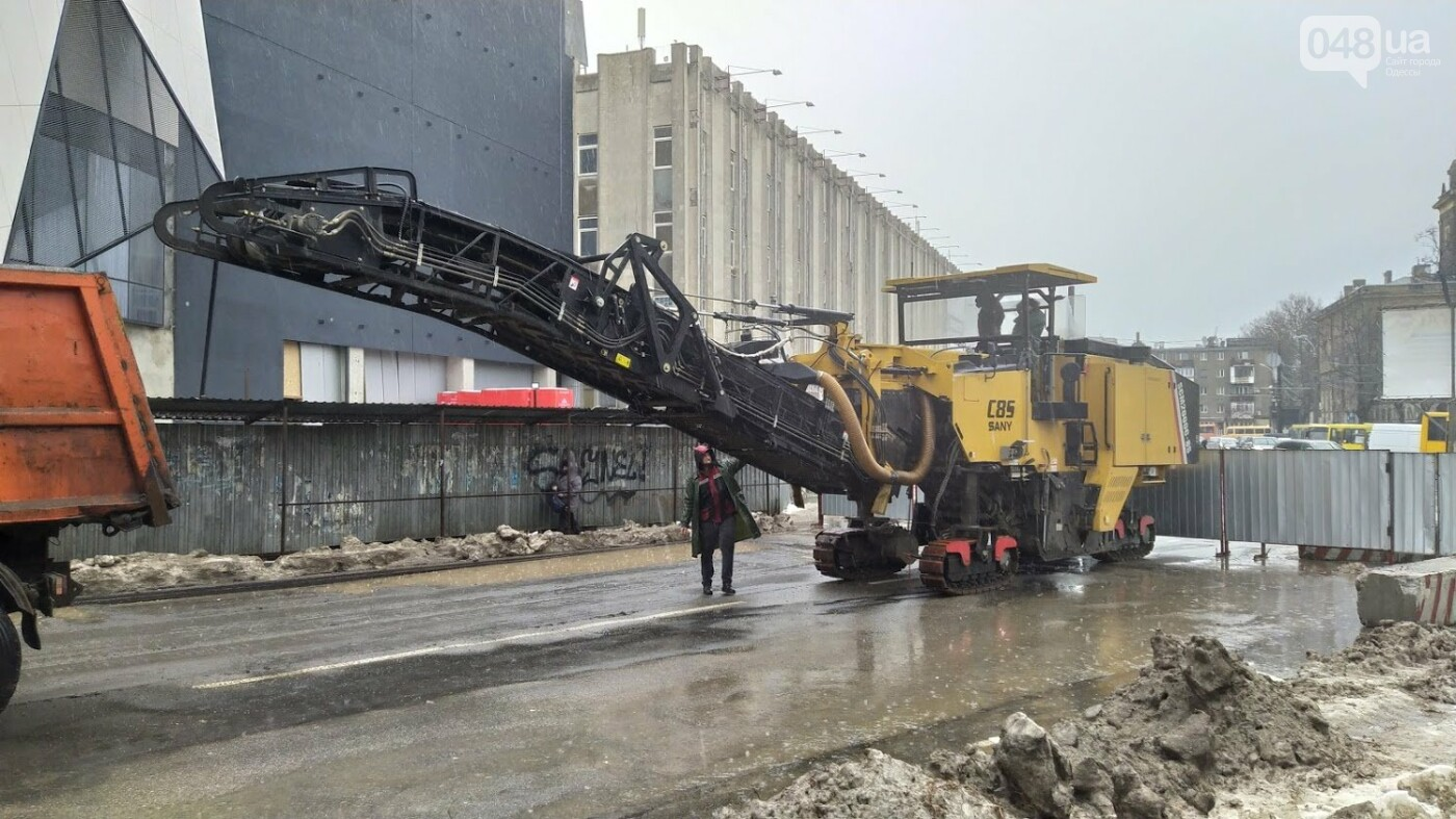 В Одессе закрыли один из самых оживленных участков дороги: ожидаются пробки - ФОТО, фото-9, ФОТО: Александр Жирносенко.
