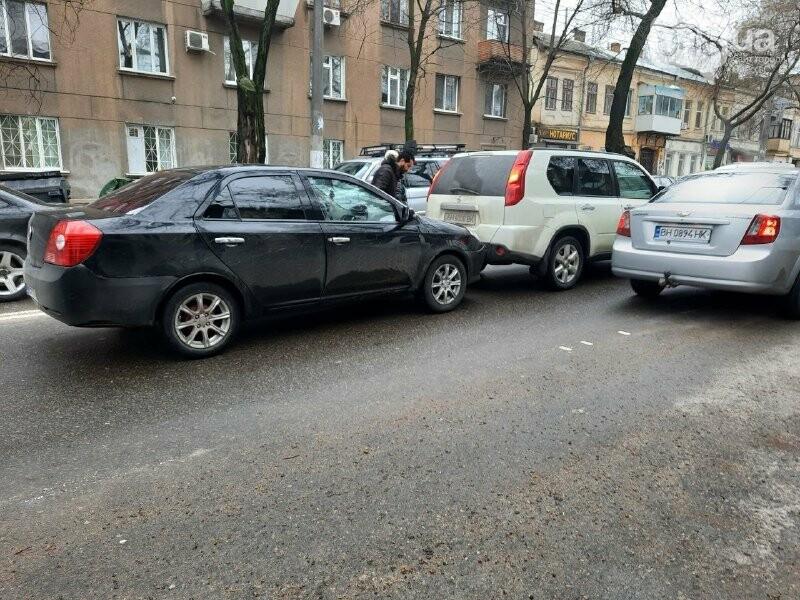 Троллейбус №2 можно не ждать: из-за ДТП в центре Одессы обр..., фото-11