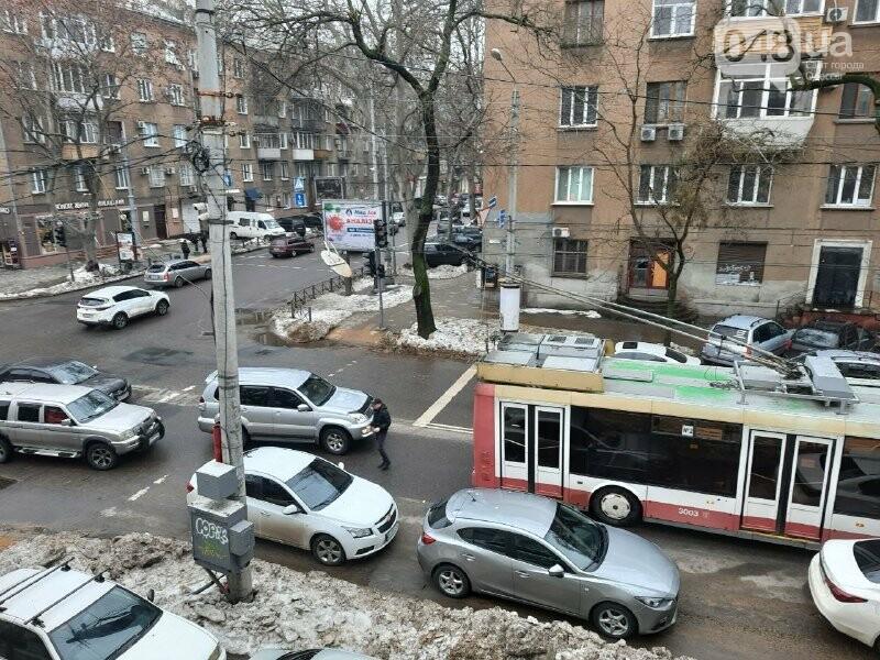 Троллейбус №2 можно не ждать: из-за ДТП в центре Одессы обр..., фото-55