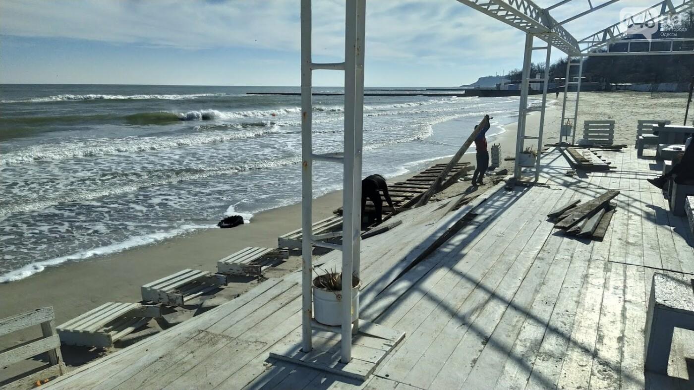 Последствия шторма на одесском побережье: как выглядят пляжи после стихии, - ФОТОРЕПОРТАЖ, фото-8