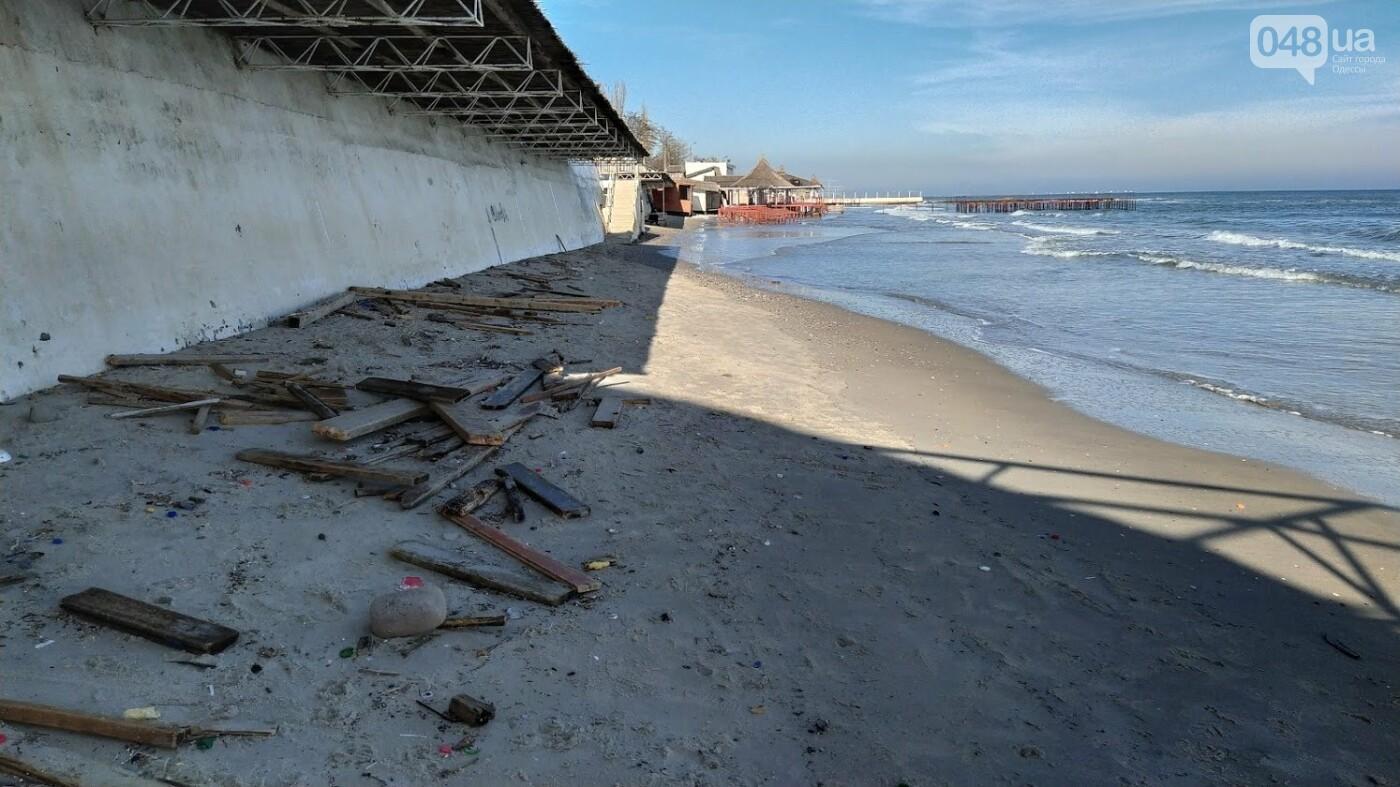 Последствия шторма на одесском побережье: как выглядят пляжи после стихии, - ФОТОРЕПОРТАЖ, фото-14