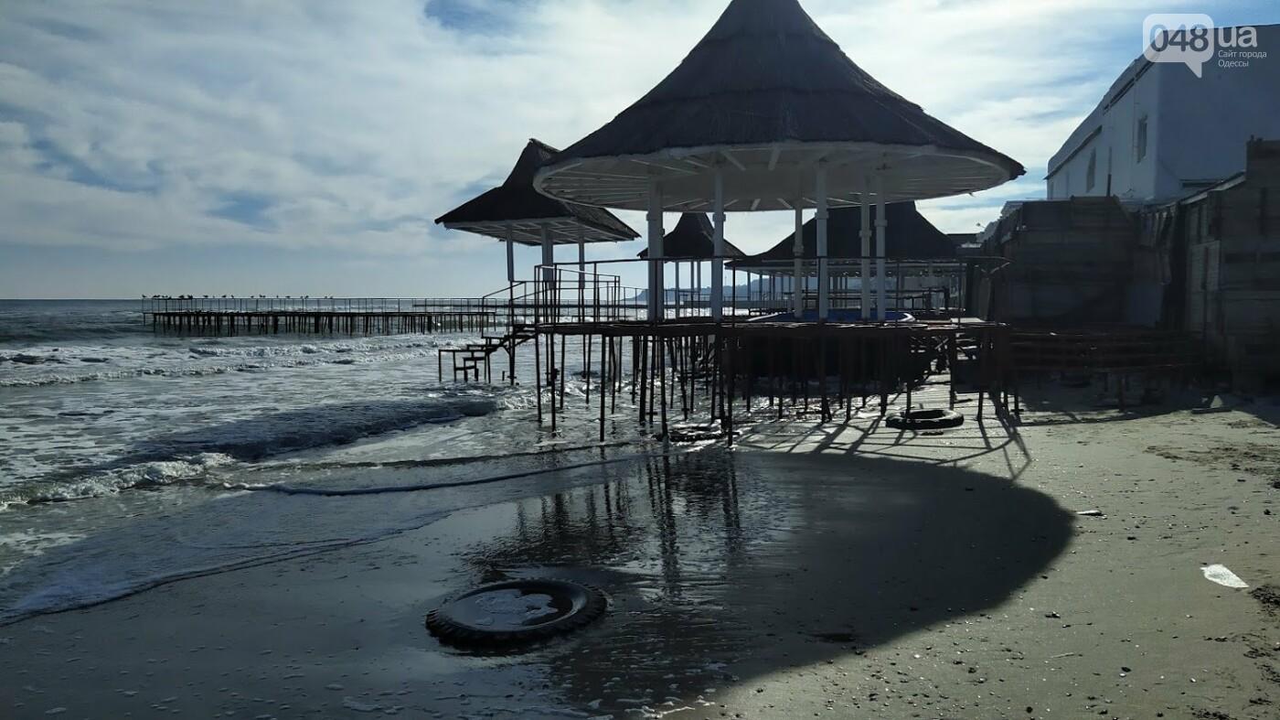 Последствия шторма на одесском побережье: как выглядят пляжи после стихии, - ФОТОРЕПОРТАЖ, фото-17