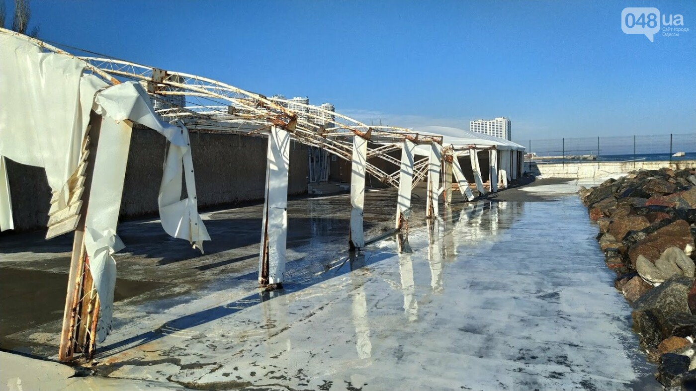 Последствия шторма на одесском побережье: как выглядят пляжи после стихии, - ФОТОРЕПОРТАЖ, фото-22