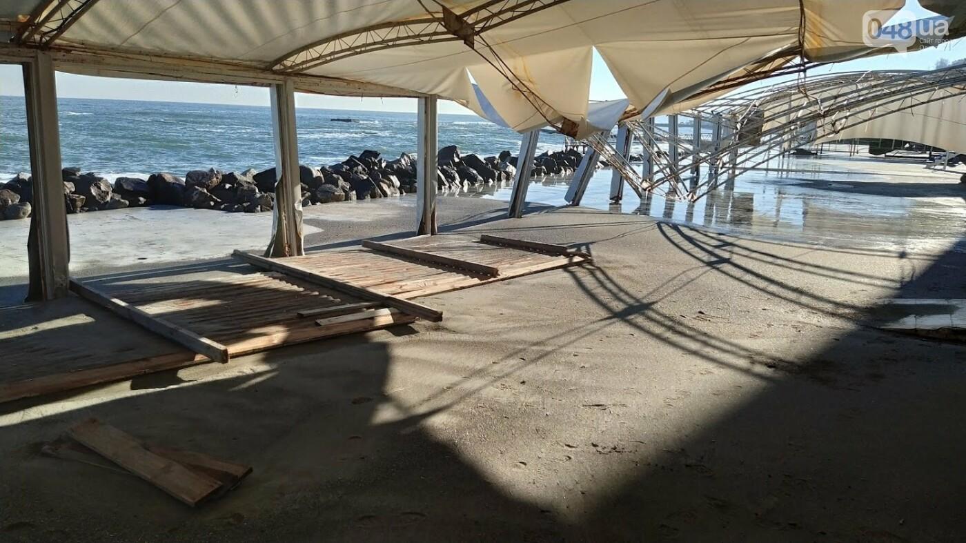 Последствия шторма на одесском побережье: как выглядят пляжи после стихии, - ФОТОРЕПОРТАЖ, фото-25