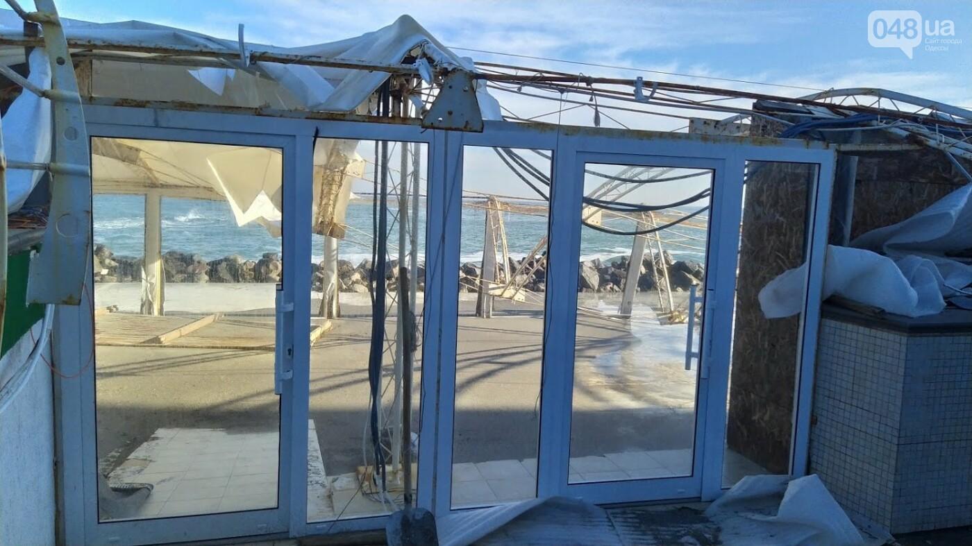 Последствия шторма на одесском побережье: как выглядят пляжи после стихии, - ФОТОРЕПОРТАЖ, фото-30