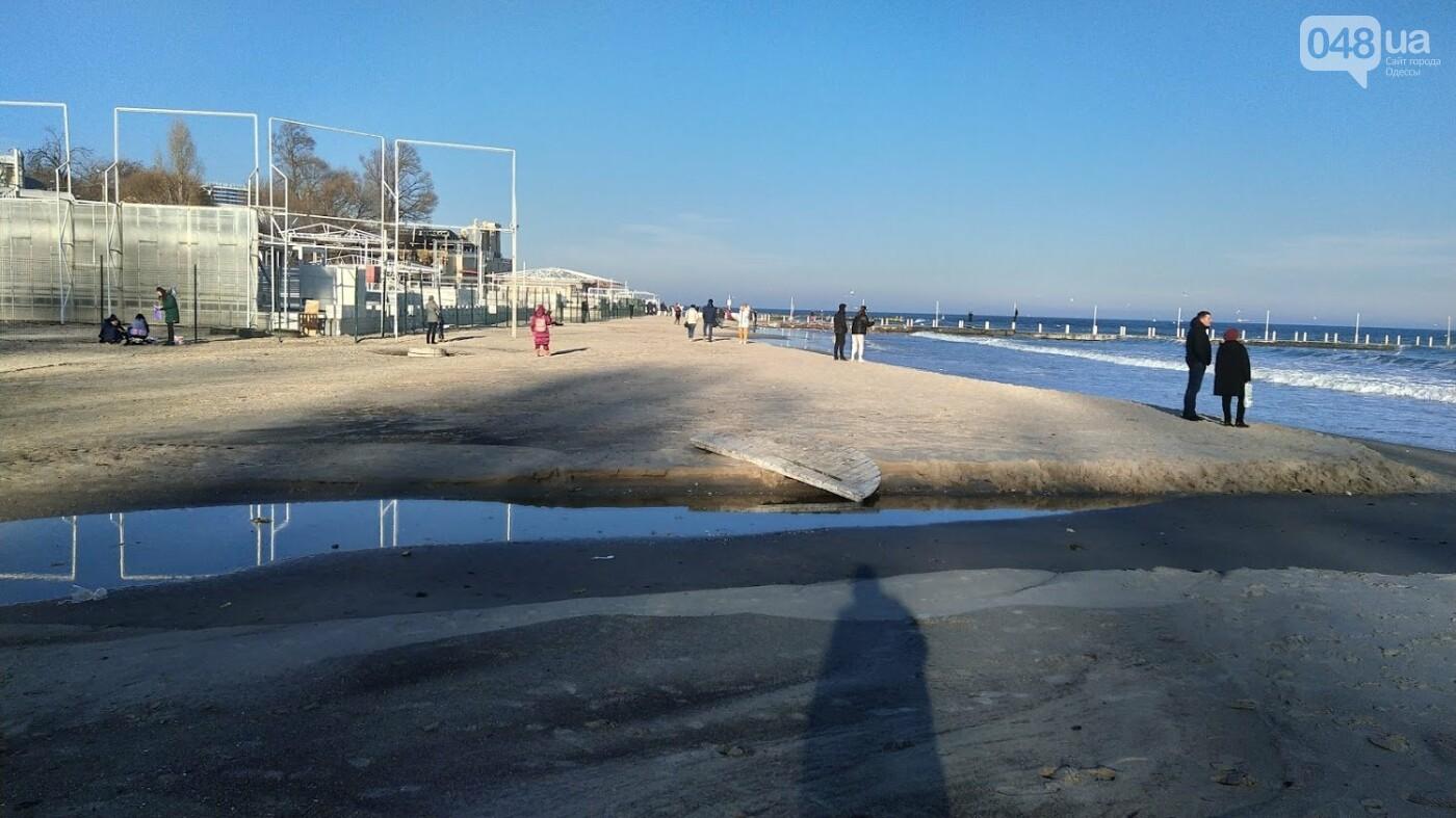 Последствия шторма на одесском побережье: как выглядят пляжи после стихии, - ФОТОРЕПОРТАЖ, фото-33
