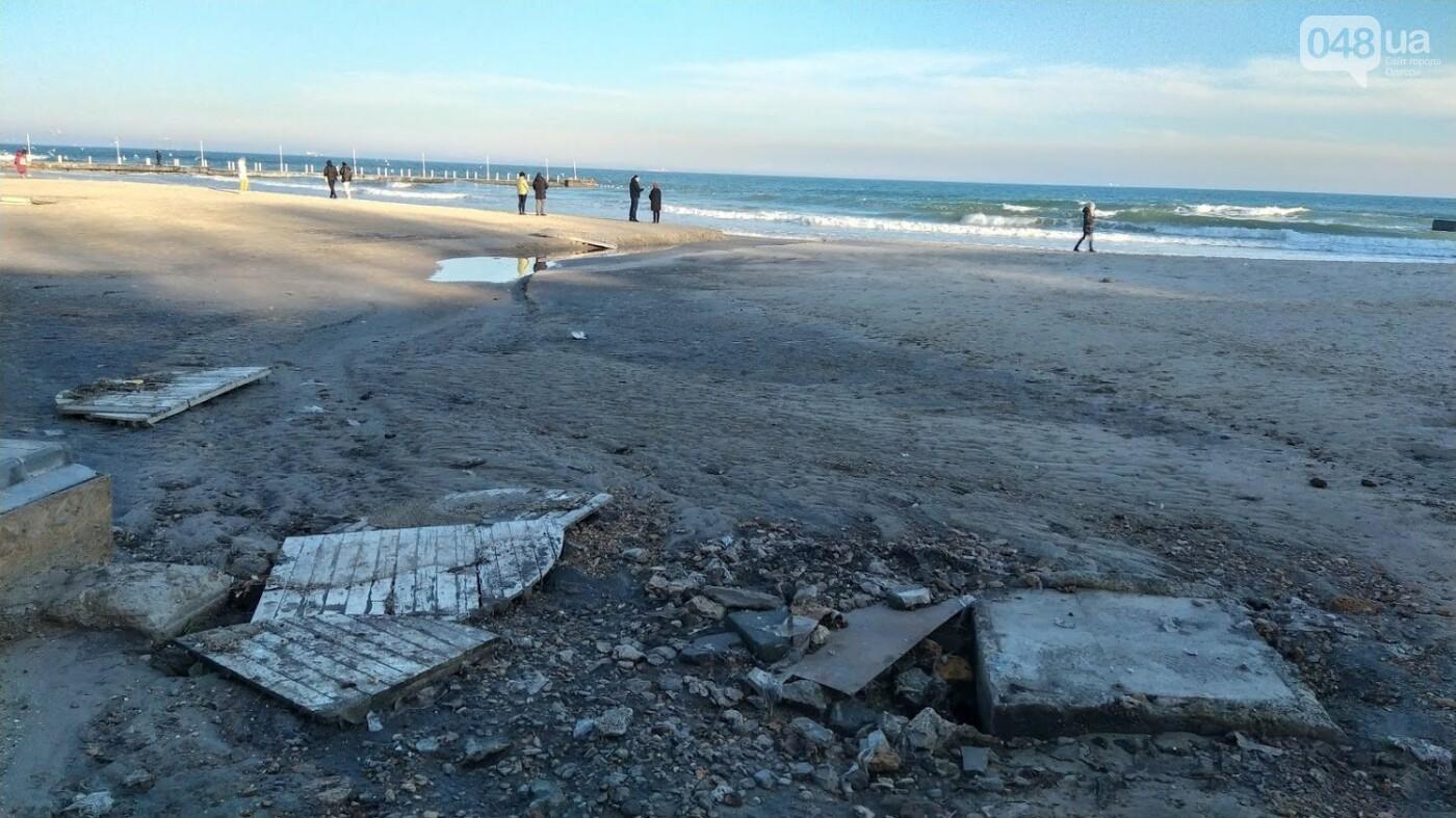 Последствия шторма на одесском побережье: как выглядят пляжи после стихии, - ФОТОРЕПОРТАЖ, фото-34