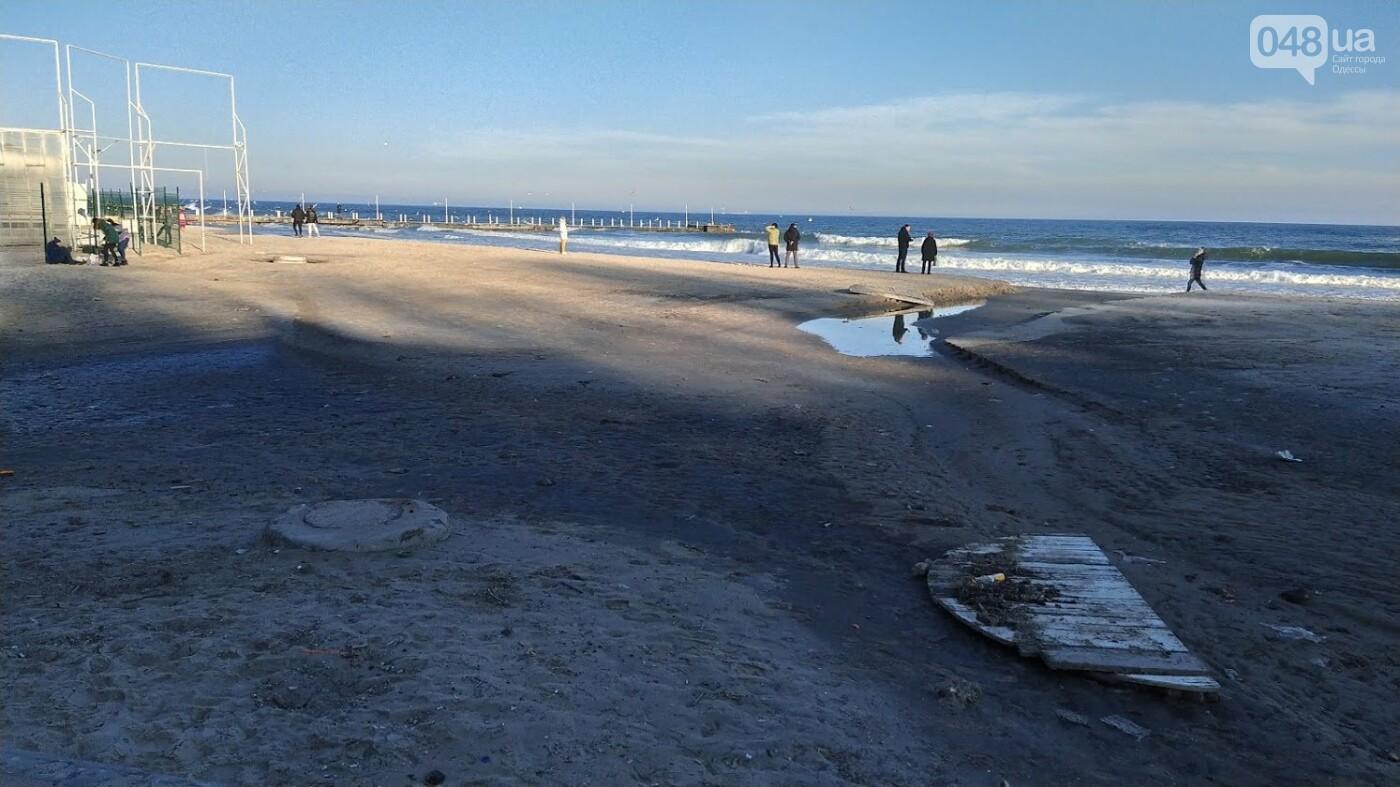 Последствия шторма на одесском побережье: как выглядят пляжи после стихии, - ФОТОРЕПОРТАЖ, фото-35