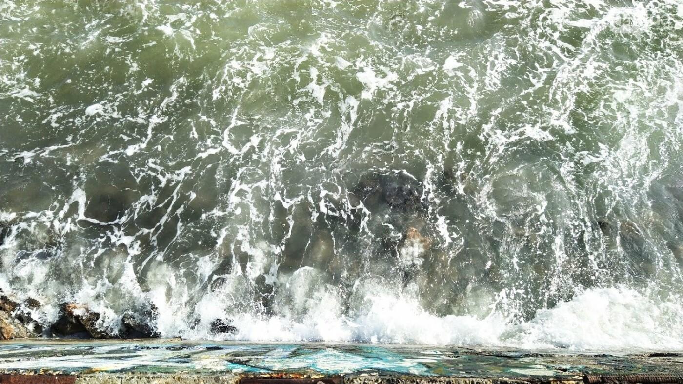 Море наступает: шторм за сутки поглотил один из популярных пляжей в Одессе, - ФОТО , фото-3