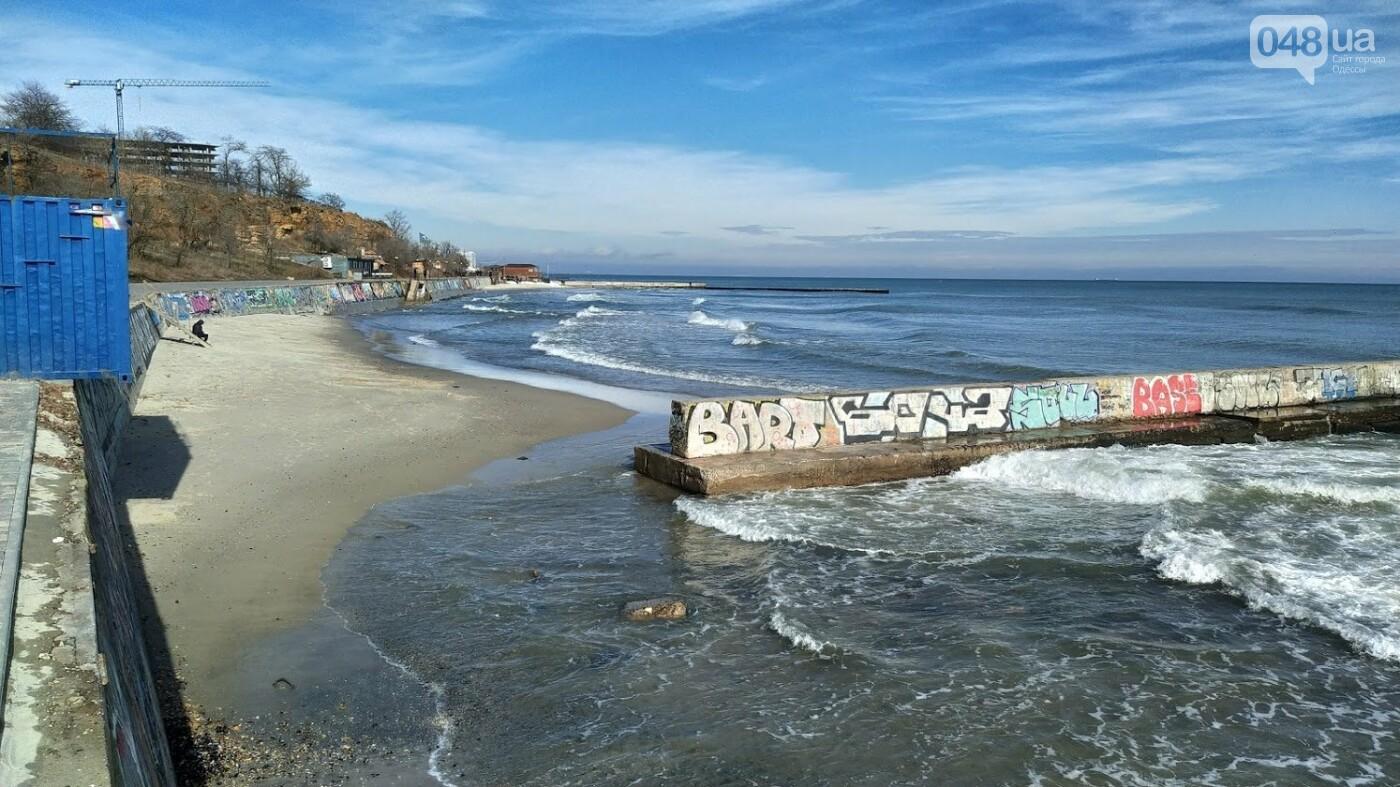 Море наступает: шторм за сутки поглотил один из популярных пляжей в Одессе, - ФОТО , фото-7