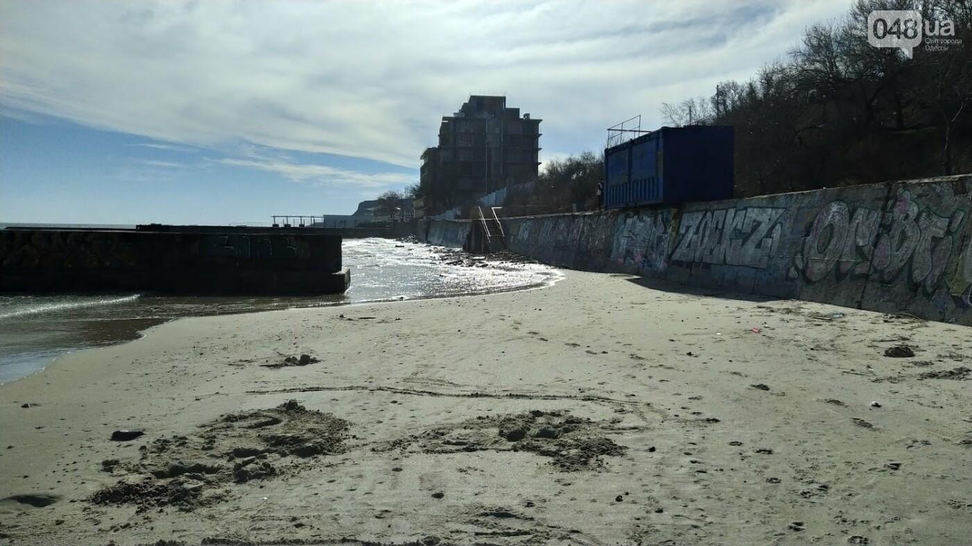 Море наступает: шторм за сутки поглотил один из популярных пляжей в Одессе, - ФОТО , фото-8