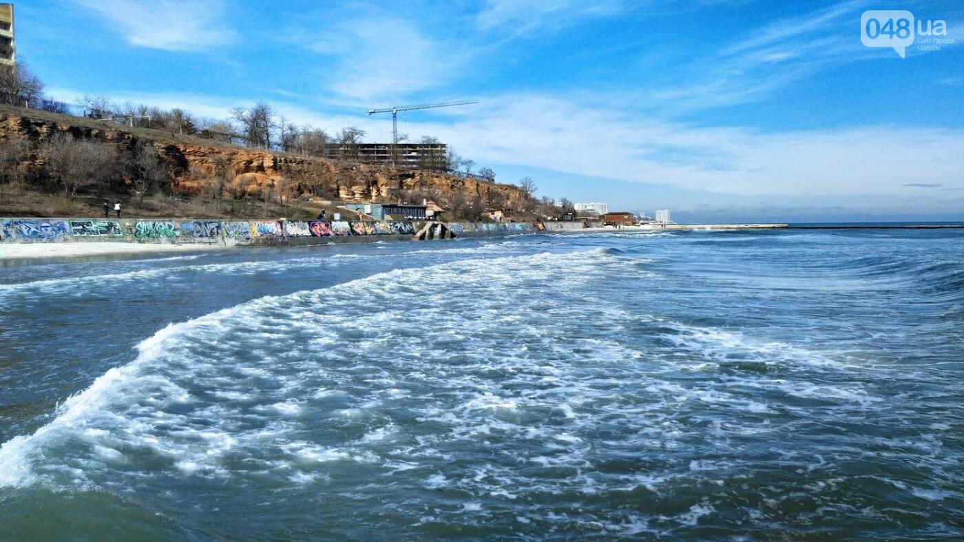 Море наступает: шторм за сутки поглотил один из популярных пляжей в Одессе, - ФОТО , фото-10