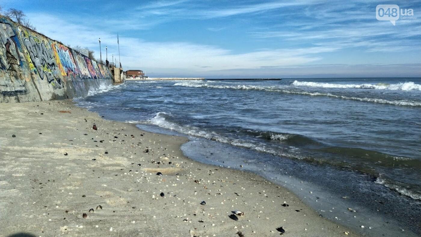 Море наступает: шторм за сутки поглотил один из популярных пляжей в Одессе, - ФОТО , фото-12