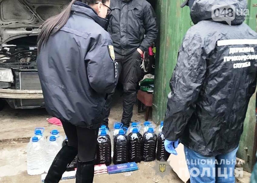 В Одесской области полицейские нашли 26 тысяч пачек сигарет и 200 литров алкоголя, - ФОТО, ВИДЕО, фото-3
