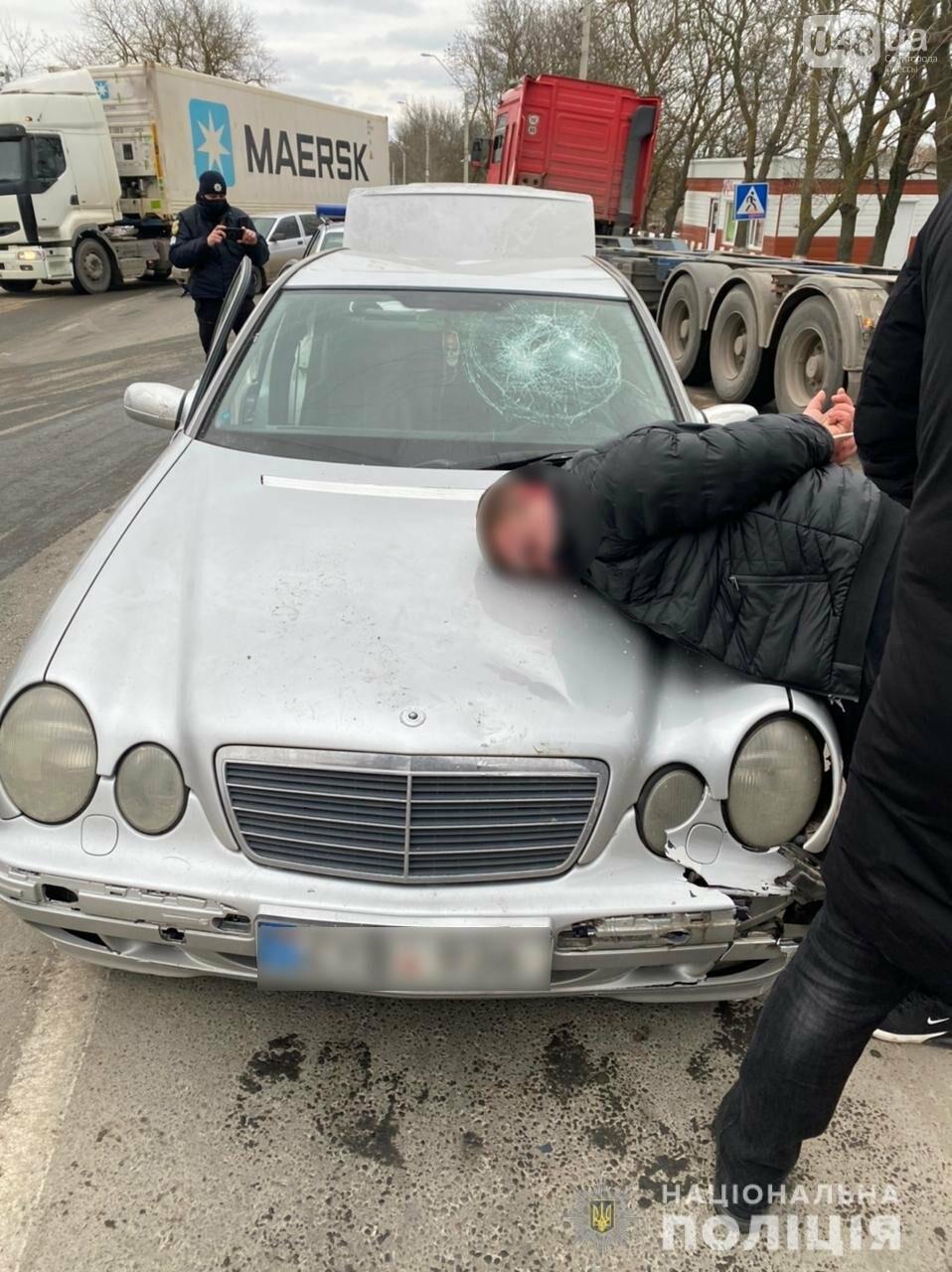 Оружие, наркотики и погоня: в Одессе задержали иностранного рецидивиста, - ФОТО, ВИДЕО, фото-1