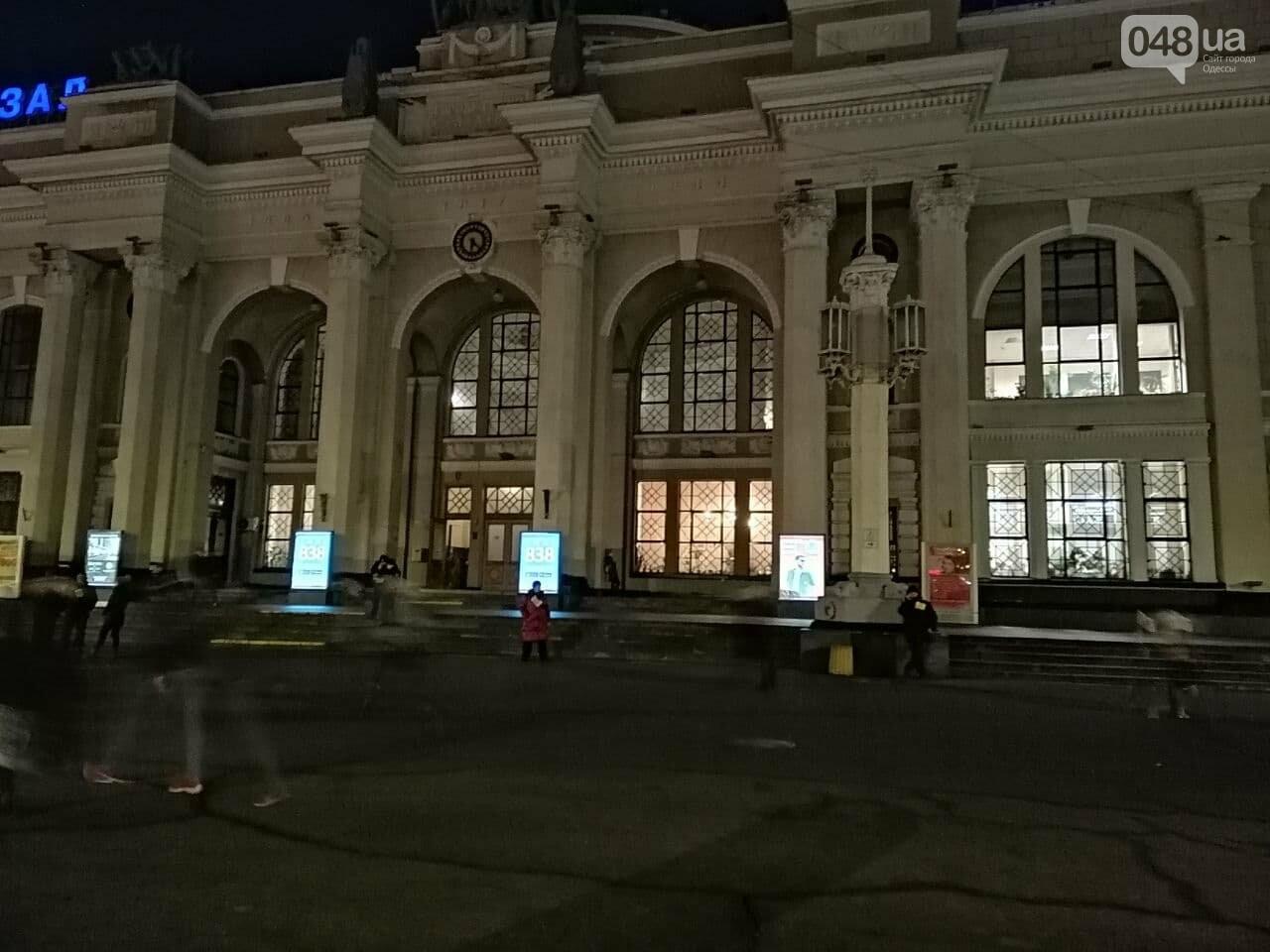 В Одессе таксисты позвали всех на митинг, а сами не приехали,- ФОТО, фото-2