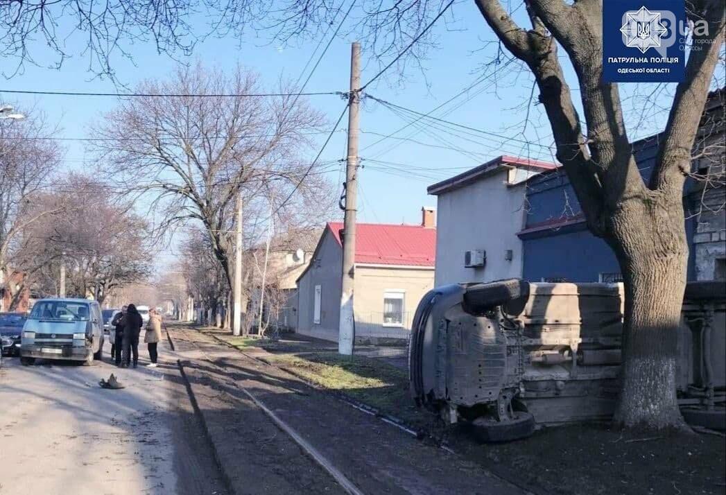 В Одессе произошло ДТП с переворотом автомобиля, - ФОТО, фото-2