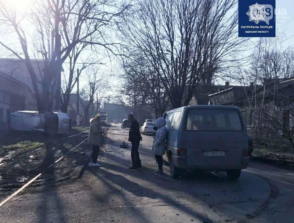 В Одессе произошло ДТП с переворотом автомобиля, - ФОТО, фото-3