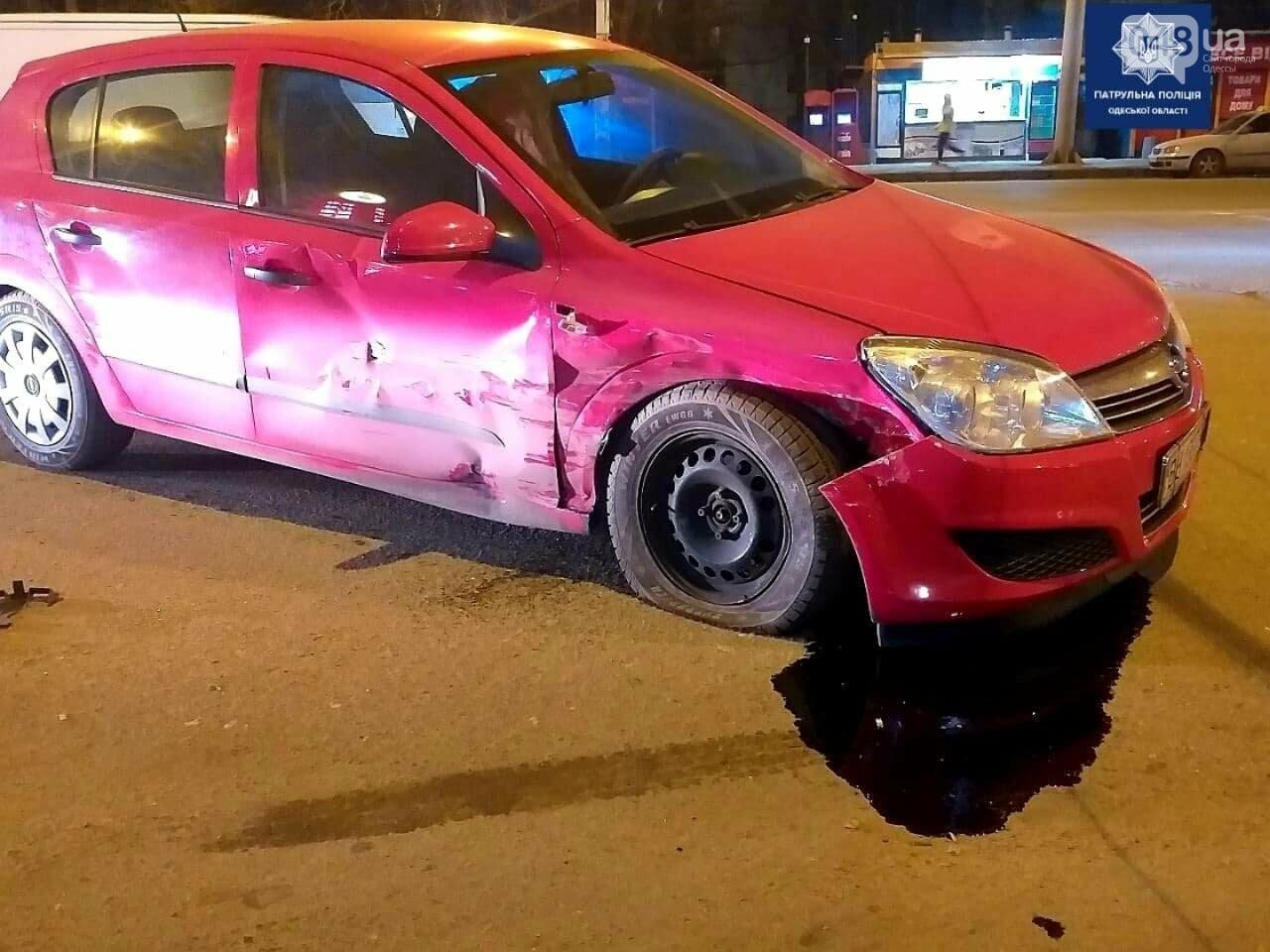 ДТП с пострадавшим: в Одессе Opel и ВАЗ не поделили дорогу, фото-3