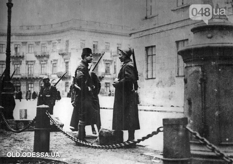 Приморский бульвар в Одессе сегодня и много лет назад: подборка фотографий, - ФОТО , фото-31