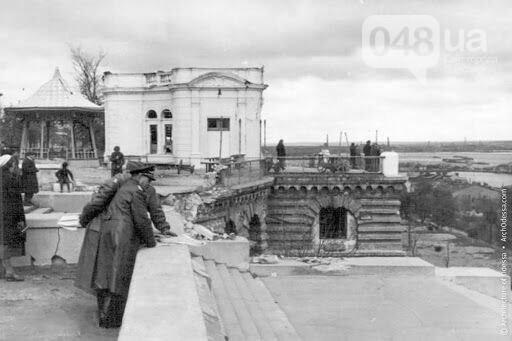 Приморский бульвар в Одессе сегодня и много лет назад: подборка фотографий, - ФОТО , фото-33