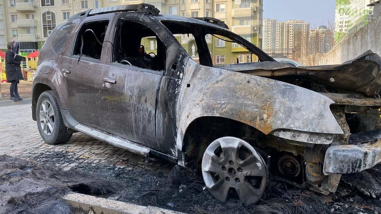 """""""Меня обещали зарезать, если не отступлю"""": стало известно, кому спалили автомобиль в Одессе, фото-2"""