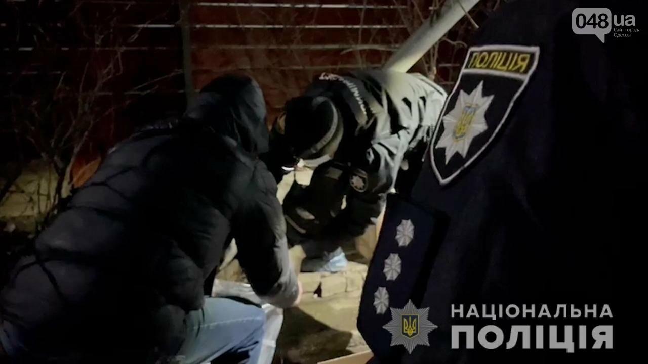 Убил топором и уехал с Одесской области: полицейские задержали подозреваемого, - ФОТО, ВИЕДО, фото-2