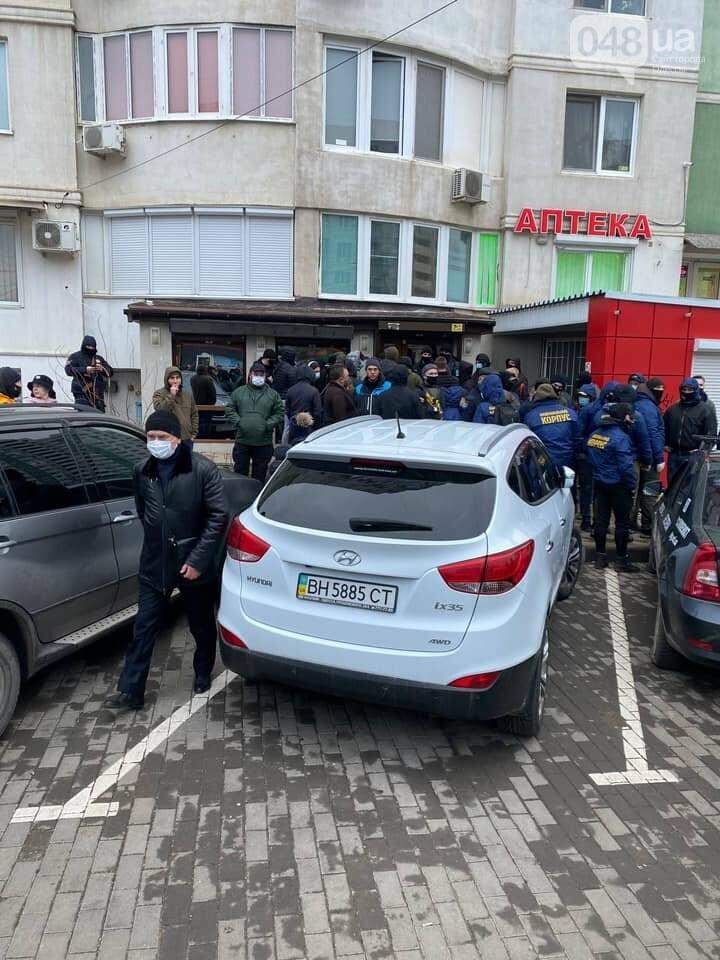В Одессе сотрудники охранной фирмы избили участника АТО, - ФОТО, ВИДЕО, фото-3