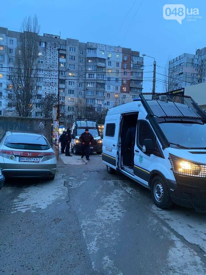 В Одессе сотрудники охранной фирмы избили участника АТО, - ФОТО, ВИДЕО, фото-6