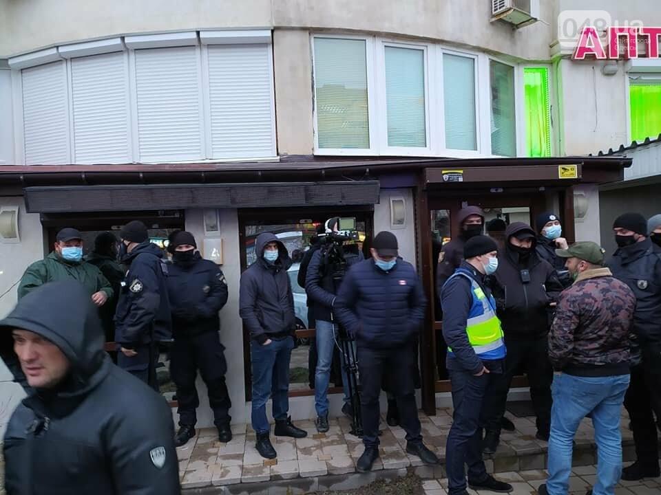 В Одессе сотрудники охранной фирмы избили участника АТО, - ФОТО, ВИДЕО, фото-4