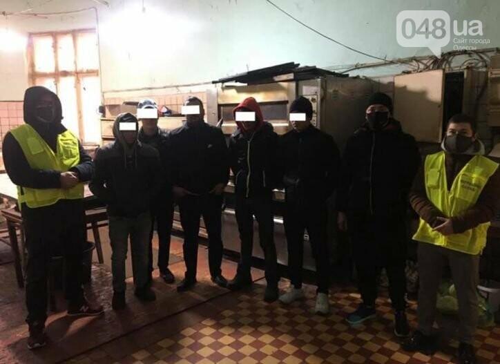 В Одессе выявили нелегалов из Узбекистана, которые пекли хлеб,- ФОТО, фото-1