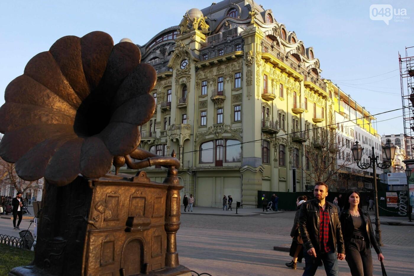 Маски без масок: 1 апреля в Одессе было весело, несмотря на карантин,- ФОТОРЕПОРТАЖ, фото-28