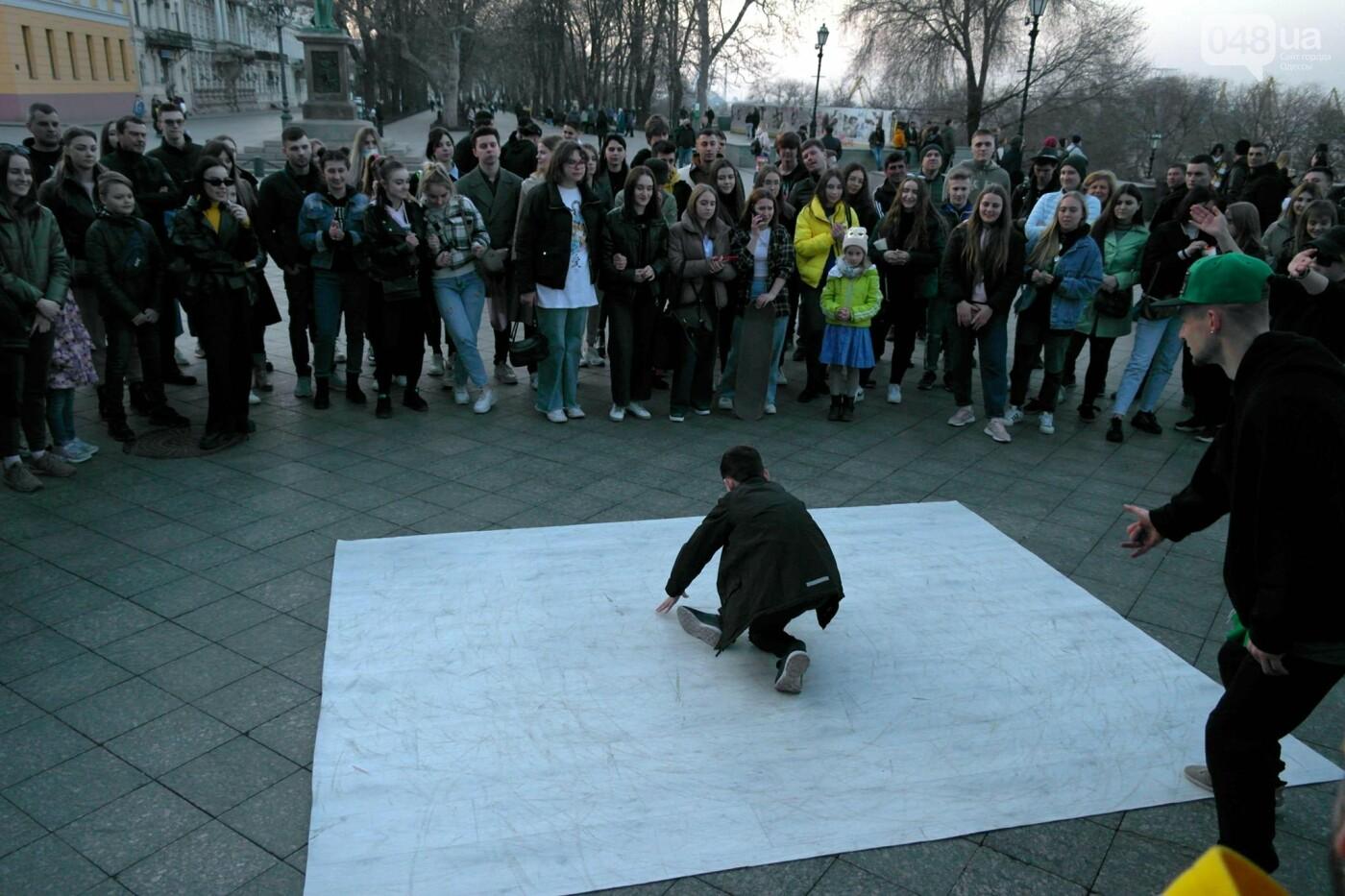 Маски без масок: 1 апреля в Одессе было весело, несмотря на карантин,- ФОТОРЕПОРТАЖ, фото-21