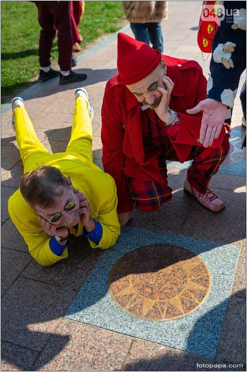 Маски без масок: 1 апреля в Одессе было весело, несмотря на карантин,- ФОТОРЕПОРТАЖ, фото-5