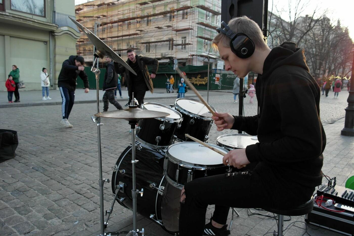 Маски без масок: 1 апреля в Одессе было весело, несмотря на карантин,- ФОТОРЕПОРТАЖ, фото-24