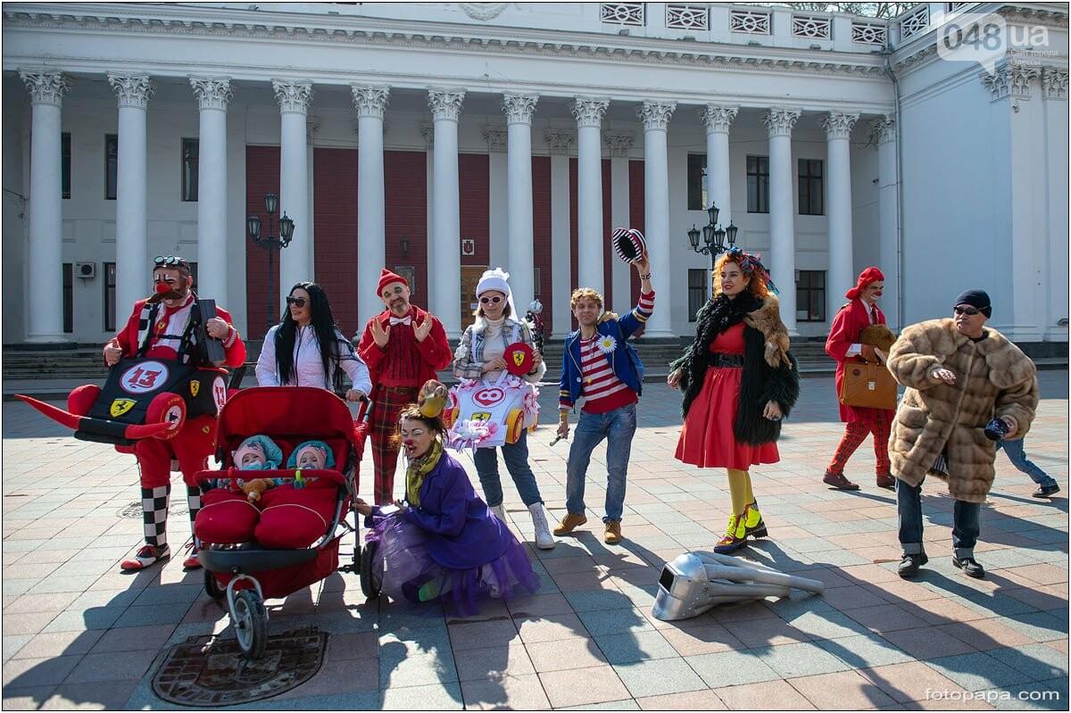 Маски без масок: 1 апреля в Одессе было весело, несмотря на карантин,- ФОТОРЕПОРТАЖ, фото-6