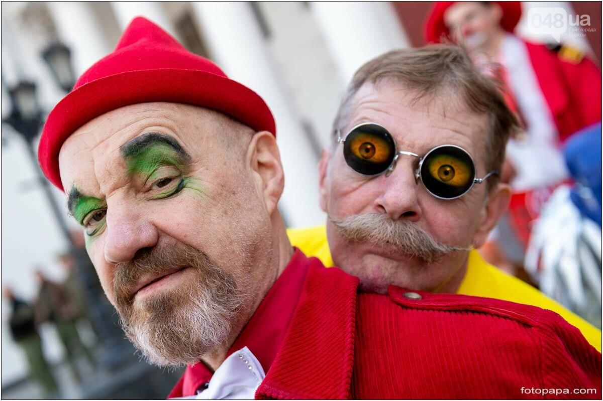 Маски без масок: 1 апреля в Одессе было весело, несмотря на карантин,- ФОТОРЕПОРТАЖ, фото-1