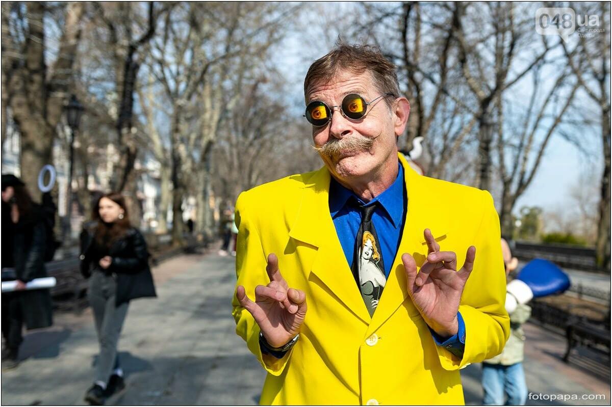 Маски без масок: 1 апреля в Одессе было весело, несмотря на карантин,- ФОТОРЕПОРТАЖ, фото-9