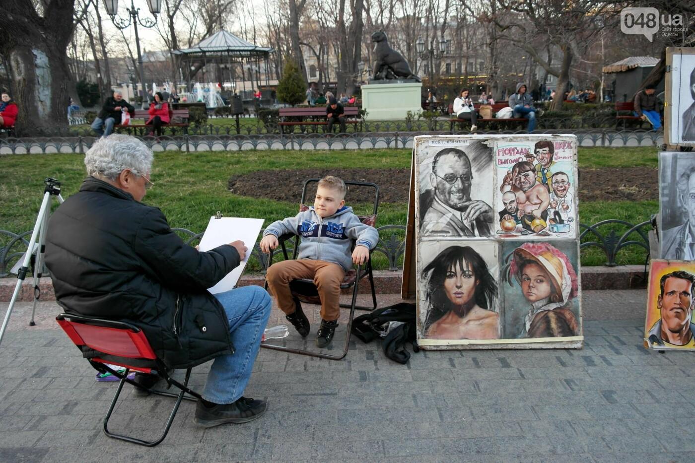 Маски без масок: 1 апреля в Одессе было весело, несмотря на карантин,- ФОТОРЕПОРТАЖ, фото-23