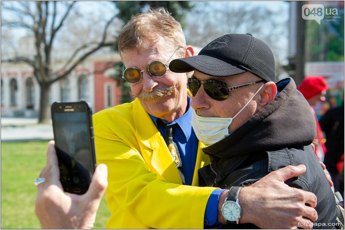 Маски без масок: 1 апреля в Одессе было весело, несмотря на карантин,- ФОТОРЕПОРТАЖ, фото-4