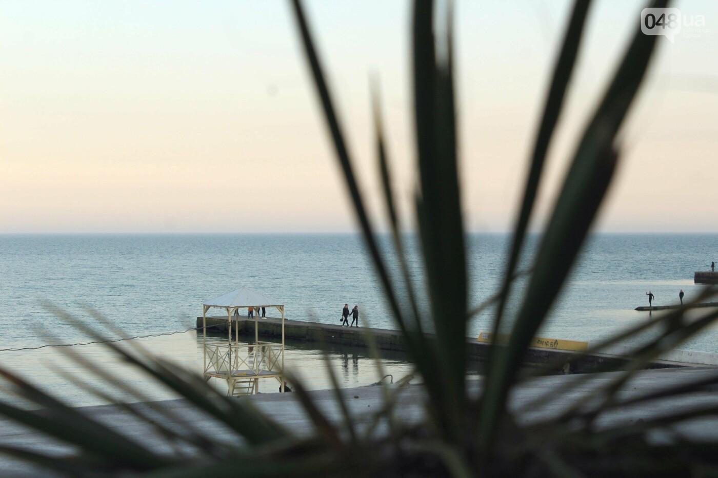 Апрель, Одесса, пляж: закат раскрасил море лазурными красками,- ФОТОПЯТНИЦА, фото-12