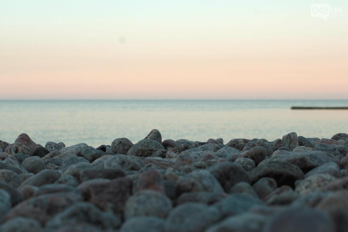 Апрель, Одесса, пляж: закат раскрасил море лазурными красками,- ФОТОПЯТНИЦА, фото-10