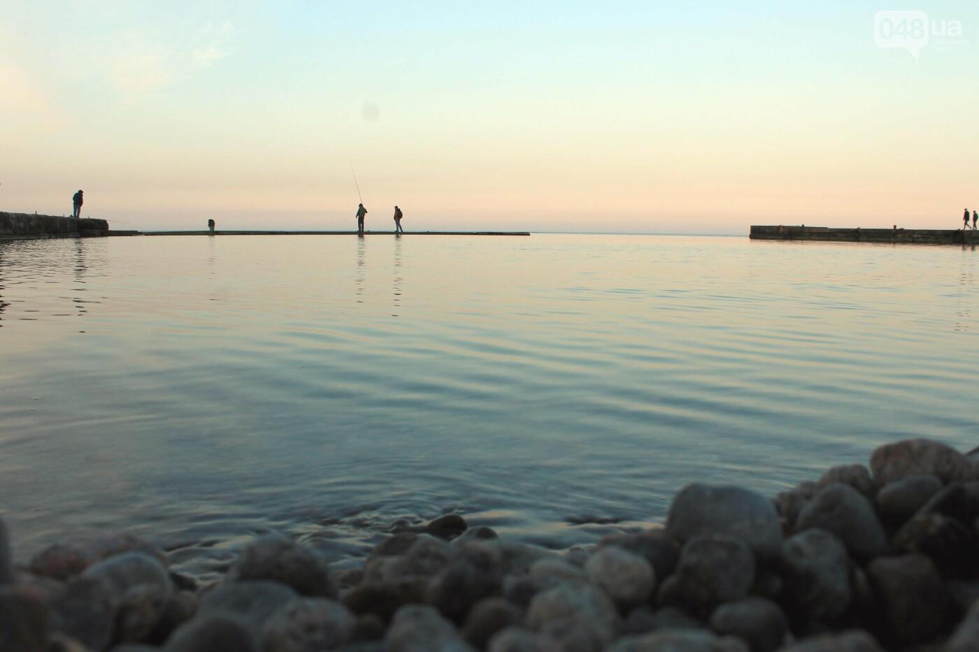 Апрель, Одесса, пляж: закат раскрасил море лазурными красками,- ФОТОПЯТНИЦА, фото-4
